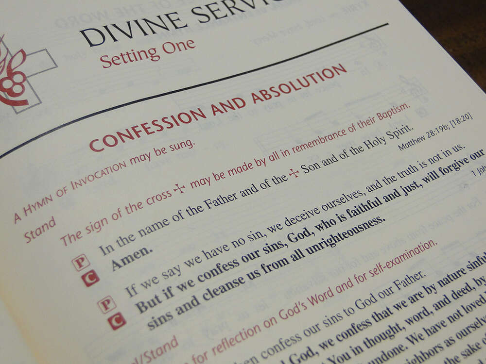 The Lutheran Service Book, published in 2006, encourages the people of God to make the sign of the cross at the beginning of worship in remembrance of their baptism.